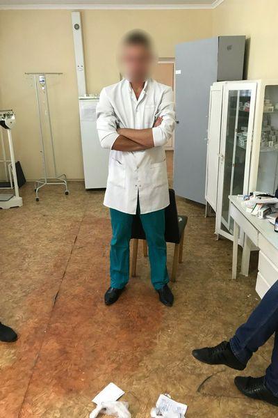 На Харківщині медпрацівник колонії збував наркотики засудженим. ФОТО
