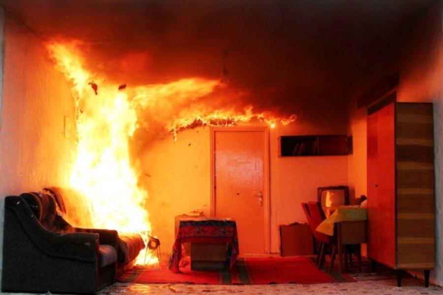 У Львові під час пожежі у квартирі трагічно загинула жінка
