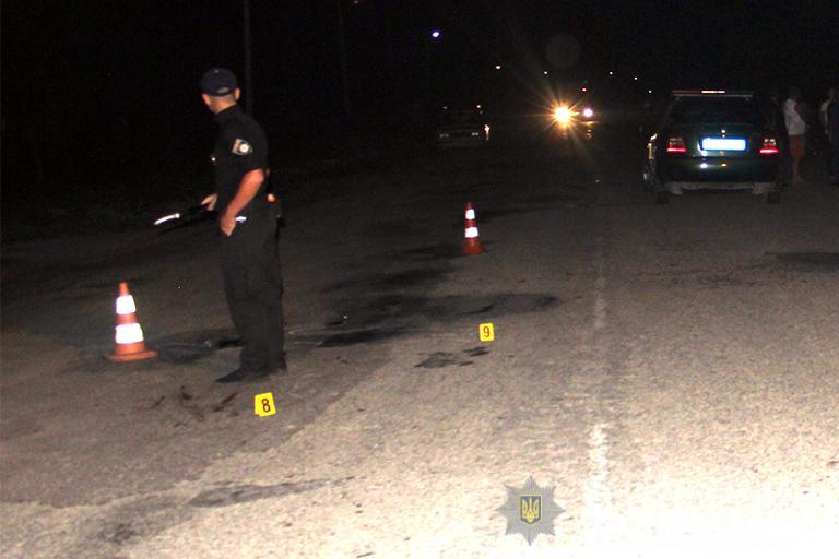 На Прикарпатті під колесами мікроавтобуса загинув необачний пішохід
