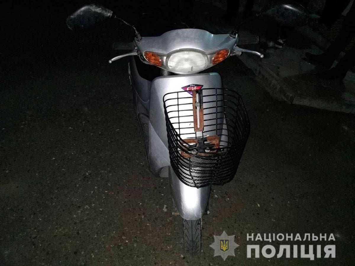 На Буковині поліцейські швидко затримали викрадача скутера