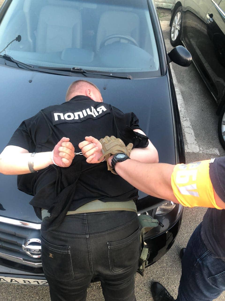 У Києві поліцейського-наркодилера судитимуть разом із поплічниками. ФО