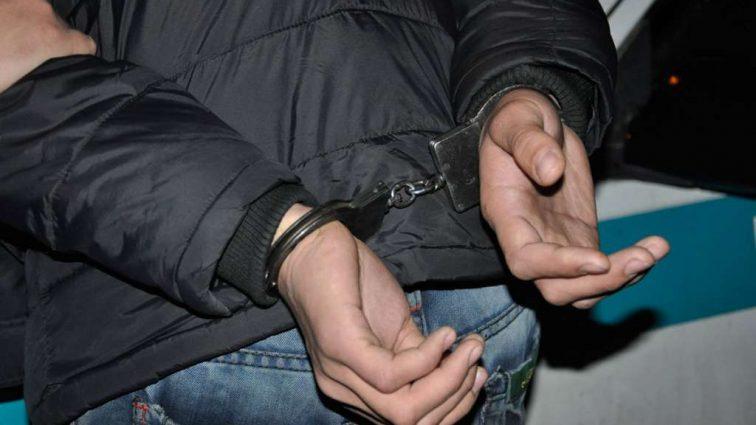 У Києві поліцейські оперативно затримали кривдника молодої жінки
