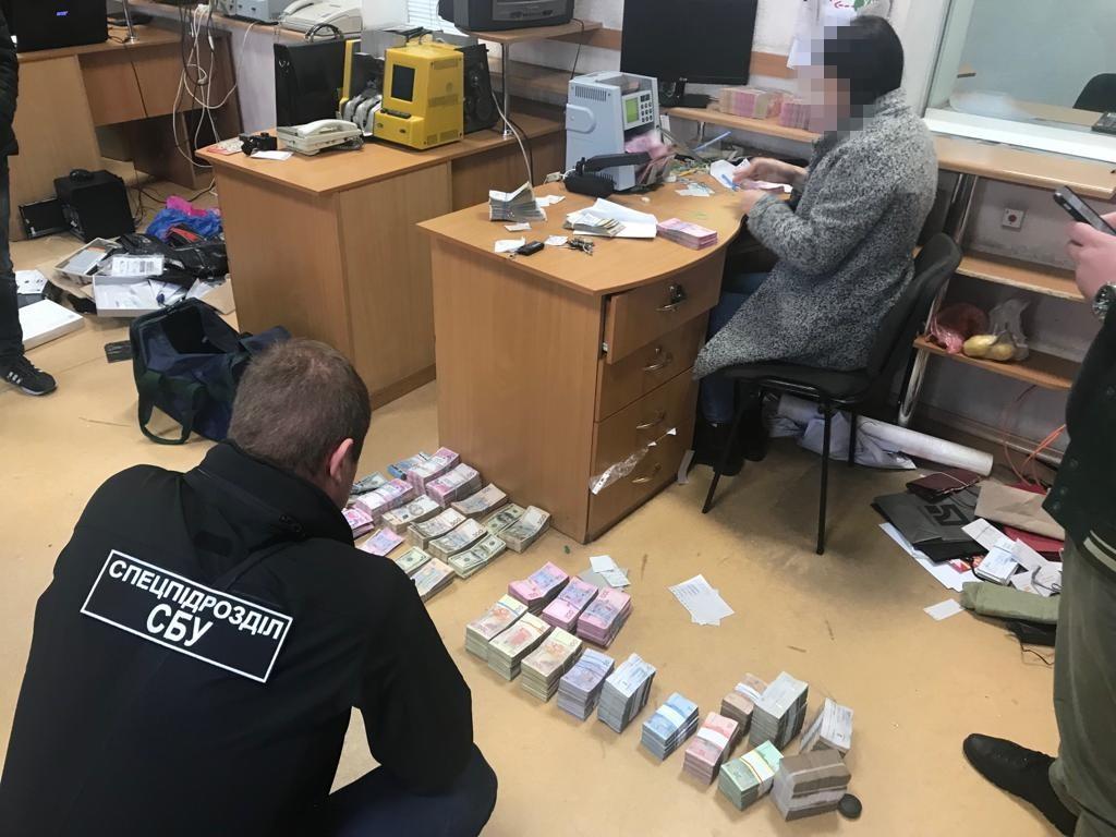 В Одесі СБУ виявила конвертцентр з багатомільйонним обігом