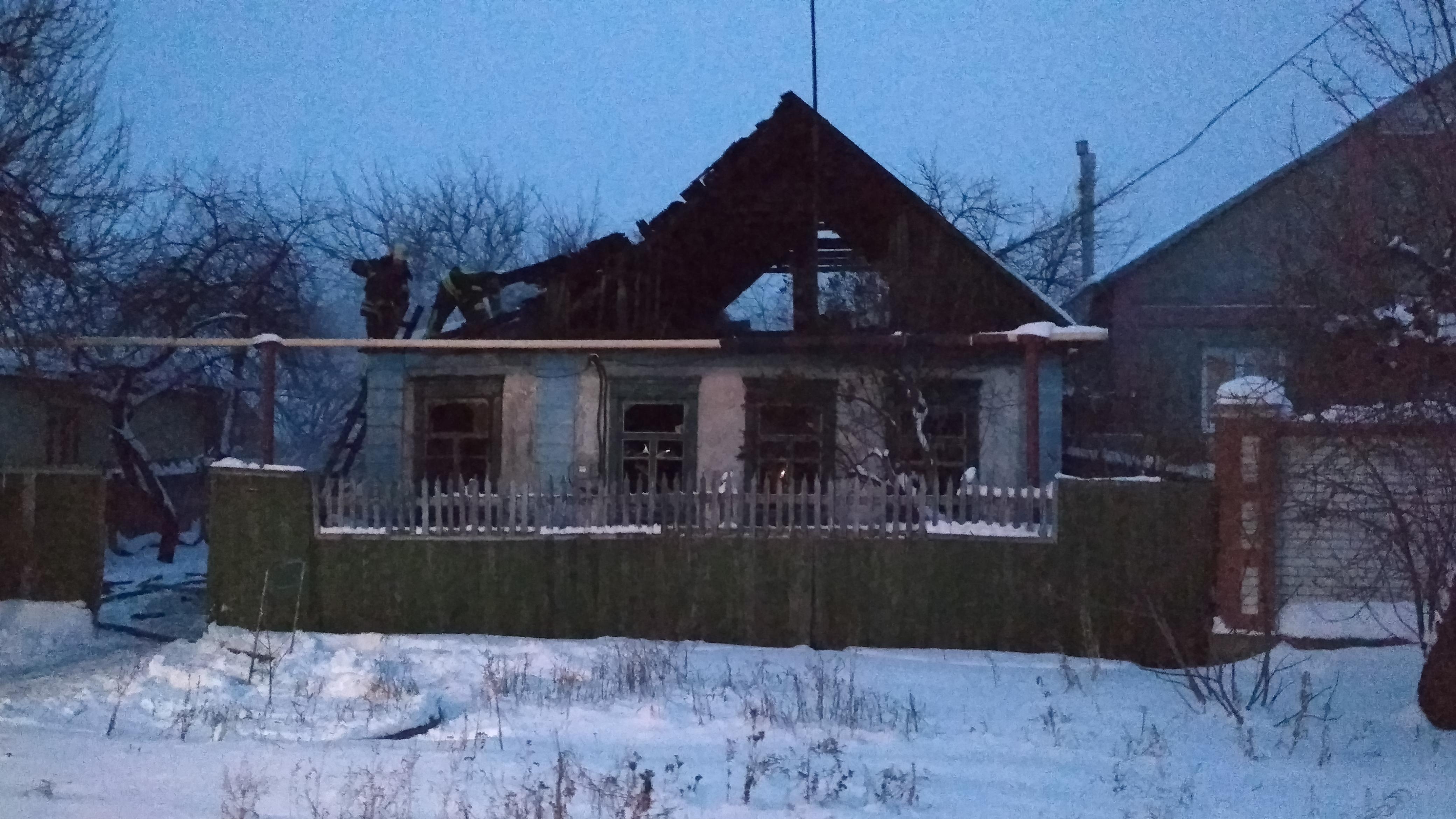 На Донеччині пожежні виявили тіло людини у палаючому будинку