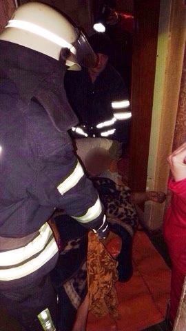 Старенька жінка ледь не загинула під час пожежі у Кривому Розі. ФОТО
