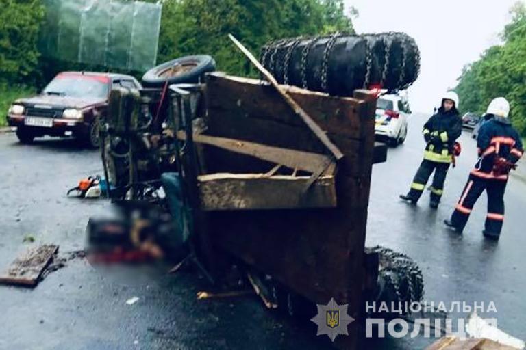 Смертельна ДТП: поліція Івано-Франківщини розслідує, хто був за кермом трактора у Боднарові