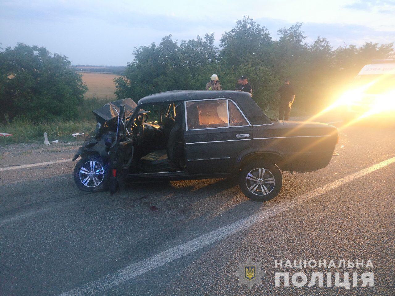На Одещині під час ДТП загинули чоловік та жінка. ФОТО