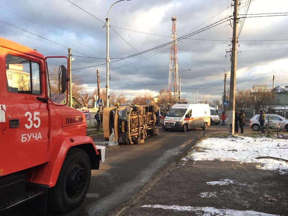 З місця події:у жахливій ДТП на Київщині загиблих привалило маршруткою
