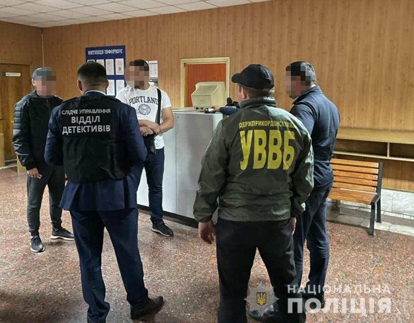На Вінниччині затримано росіянина, який запропонував хабар українськом