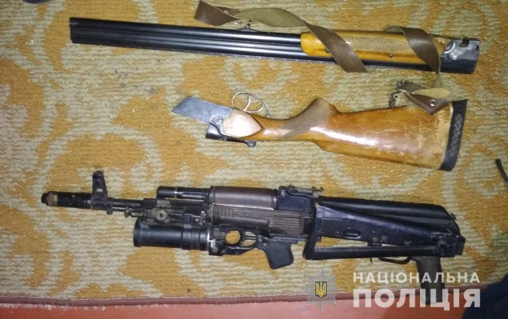 У Херсоні поліція знайшла в орендованій квартирі склад зброї